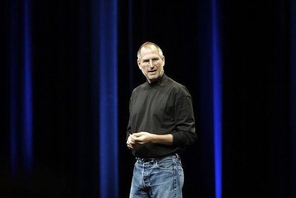 Steve Jobs v roku 2007.