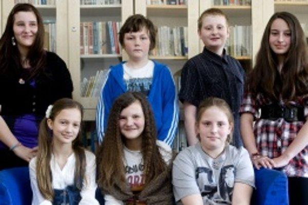 Hore zľava: Miška (12), Mišo (11), Dávid (12), Andrejka (11)Zľava dole: Barborka (11), Emily (12), Beátka (10)