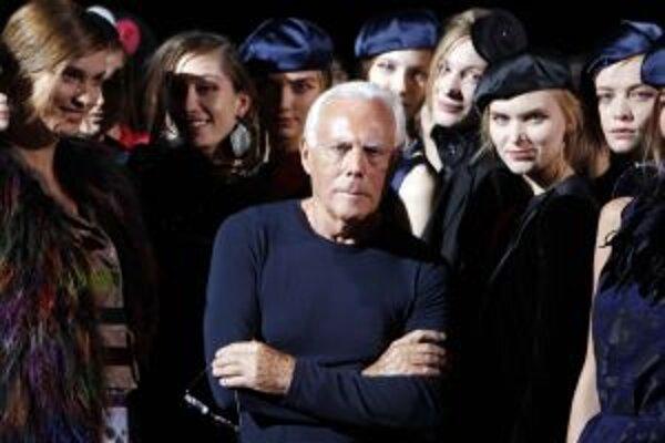 Medzi vplyvné módne ikony patrí aj návrhár Giorgio Armani.