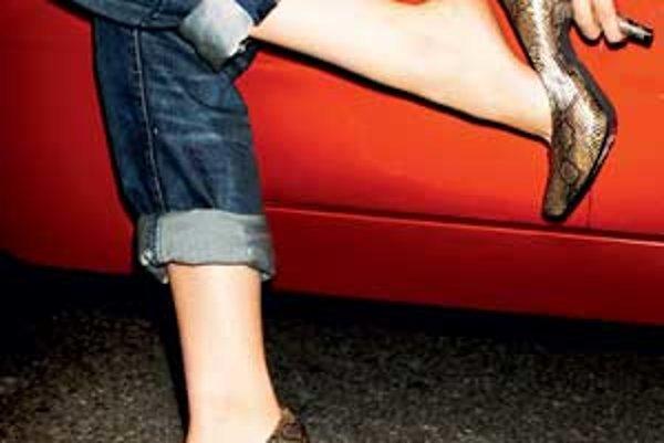 Čo si obuť do auta  - zena.sme.sk f63936ed3f4