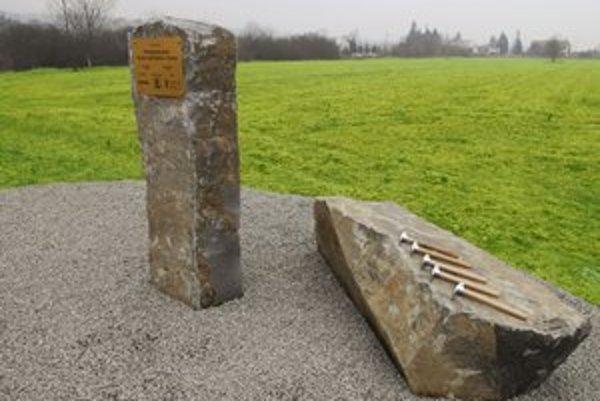 Základný kameň priemyselného parku položili vo februári 2008. Dodnes je prázdny.