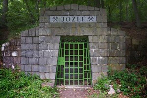 Vstupný portál banskej štôlne Jozef.