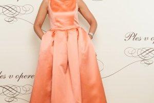 Alena Heribanová  si v roku 2015 obliekla šaty od Fera Mikloška.