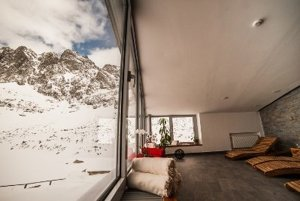 Výhľad z odpočívarne vo wellness Sliezskeho domu