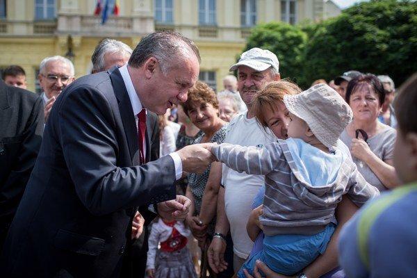 Kiska si na začiatku získal sympatie voličov.