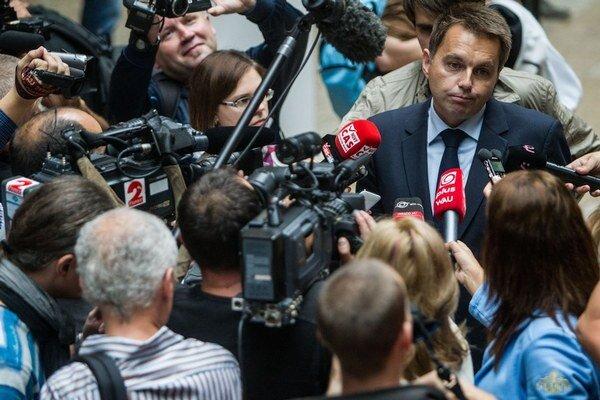 Kažimír pred novinármi argumentoval aj tým, že Slovensku eurofondy pozastavili už 22-krát.