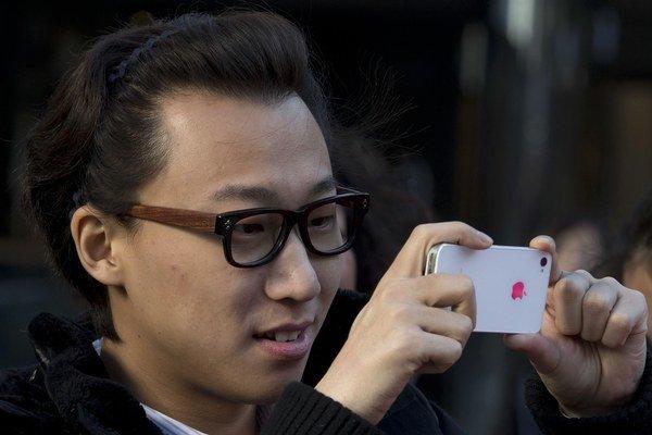Zásielka falošných smartfónov iPhone dorazila na Slovensko letecky z Hongkongu.