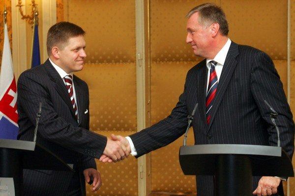 Český expremiér bude za EPH manažovať zahraničné vzťahy v dcére SPP. Slovensko v ňom vlastní balík akcií bez manažérskych právomocí.