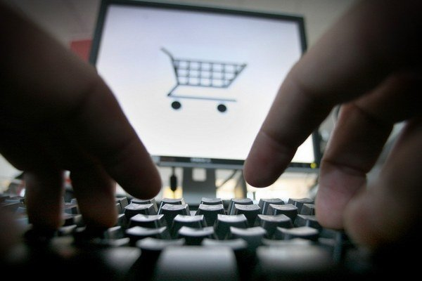 Nakúpiť sa dá cez web, prevziať tovar a zaplatiť aj osobne.