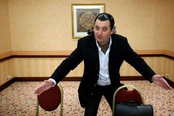 Rastislav Bilas tvrdí, že peniaze vrátil Interblue a s partnermi sa rozišiel. Ako sa neskôr delili, nevie.