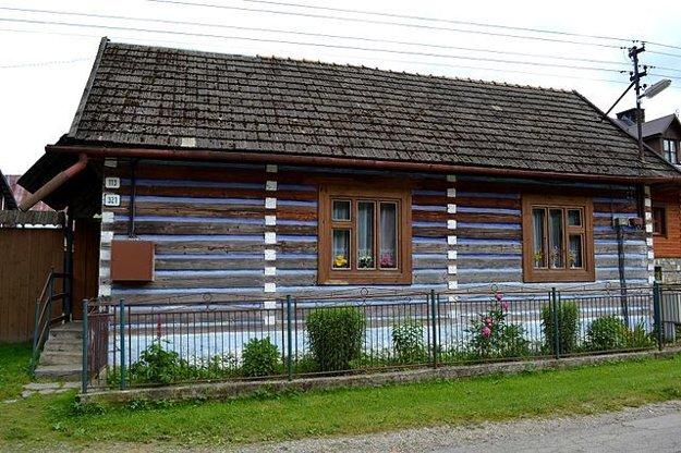 O drevenice sa ich majitelia príkladne starajú.