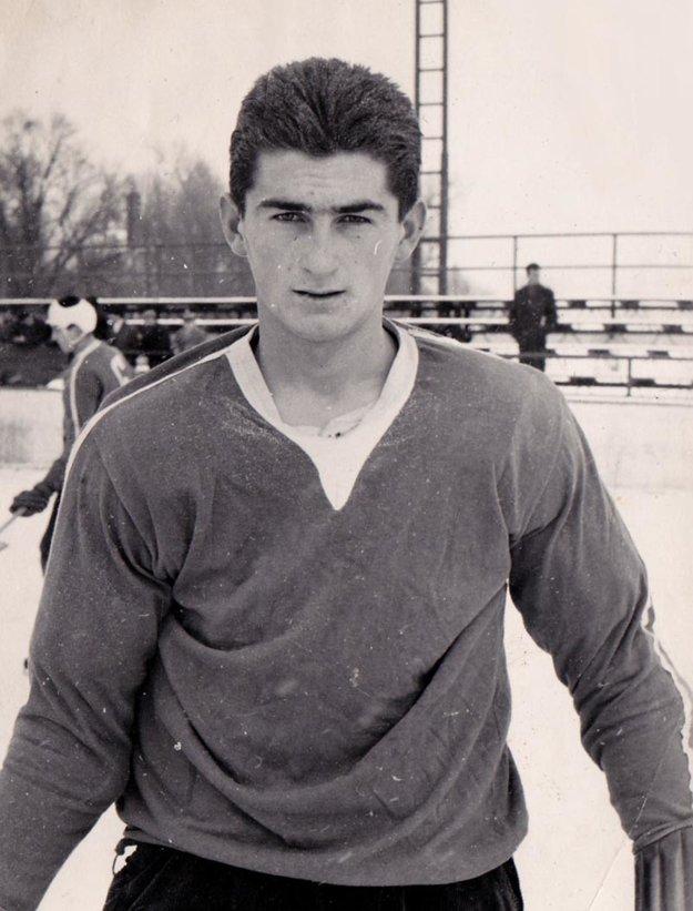 Výborný strelec Jaroslav Lodňan ukončil aktívnu činnosť vprvej polovici 70. rokov.