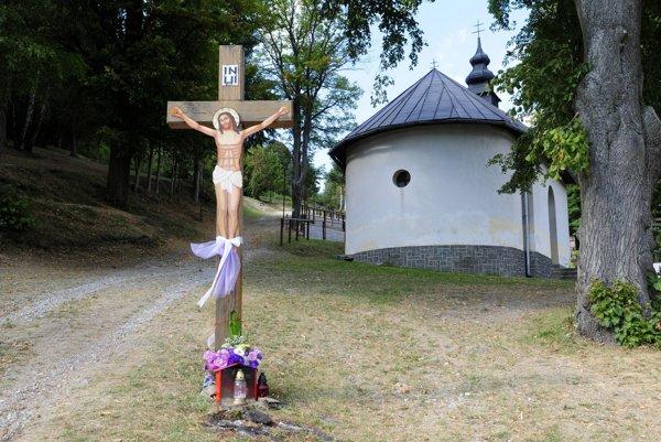 Na snímke pútnické miesto kalvária na ľutinskej hore, kam každý rok prichádzajú gréckokatolícki veriaci, aby sa tu spoločne modlili k Presvätej Bohorodičke a pripomínali si zjavenie sv. Mikuláša.
