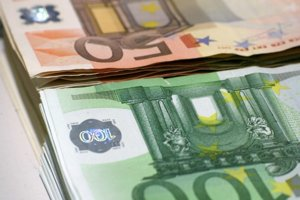 Za drobný úver si už pôžičkové firmy nebudú môcť zobraťdo zálohy hodnotnú nehnuteľnosť.