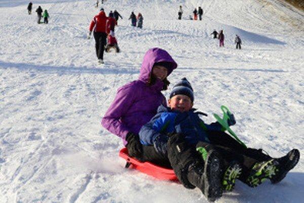 Sneh nevyužívajú len lyžiari.
