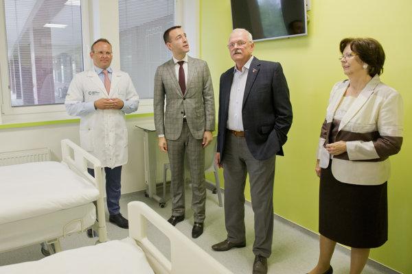 Exprezident Ivan Gašparovič má rakovinu hrubého čreva.