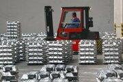 Hlavnou surovinou pri výrobe hliníka je elektrická energia. Slovalco rokuje o jej nových cenách od roku 2014.
