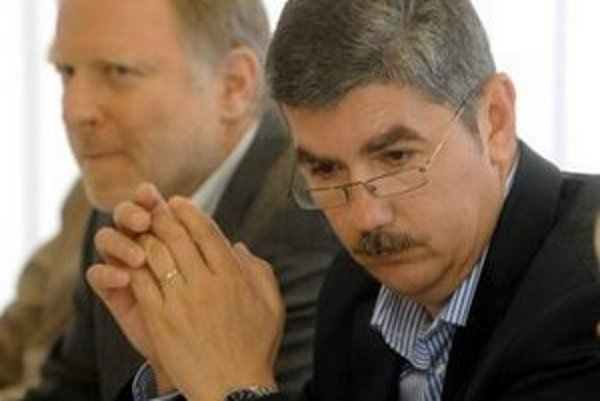 Riaditeľ SOZA Vladimír Repčík  (vpravo) a predseda Výboru SOZA Matúš Jakabčic.