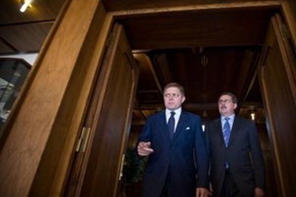 Premiér s predsedom parlamentu.