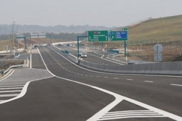 Aj od tempa výstavby diaľnic závisí, či odvetvie stavebníctva  porastie podľa očakávaní  firiem.