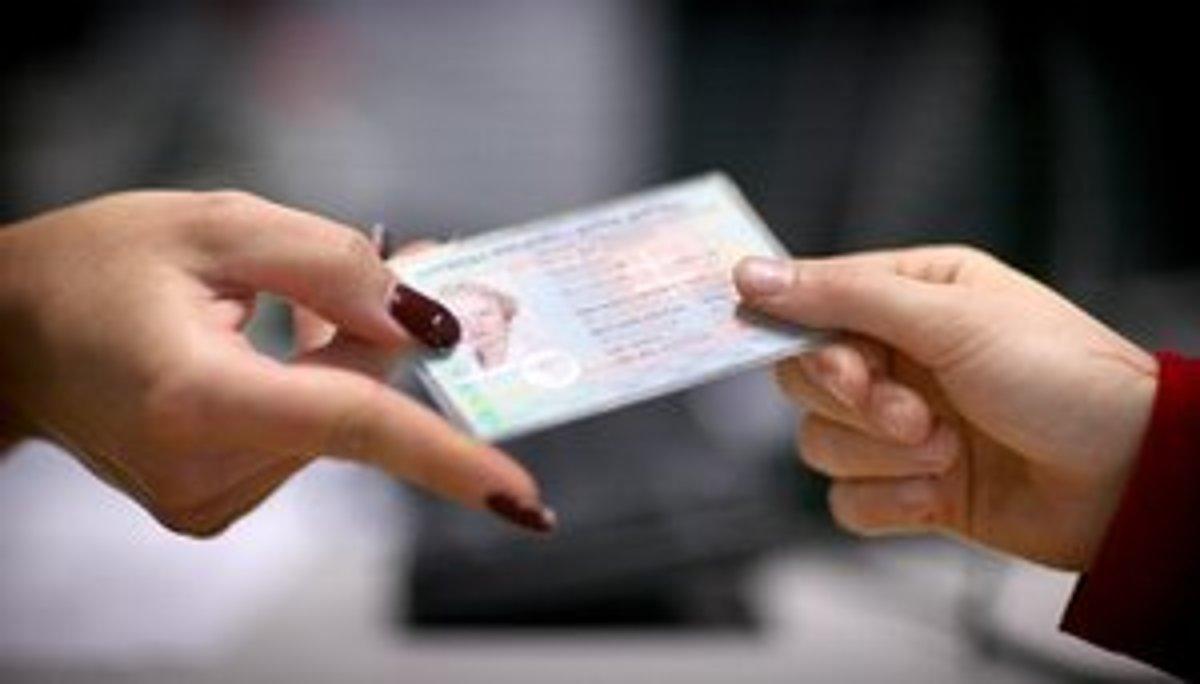 d648d7248 Koľko zaplatíte na úradoch za doklady, dom či auto? - Ekonomika SME