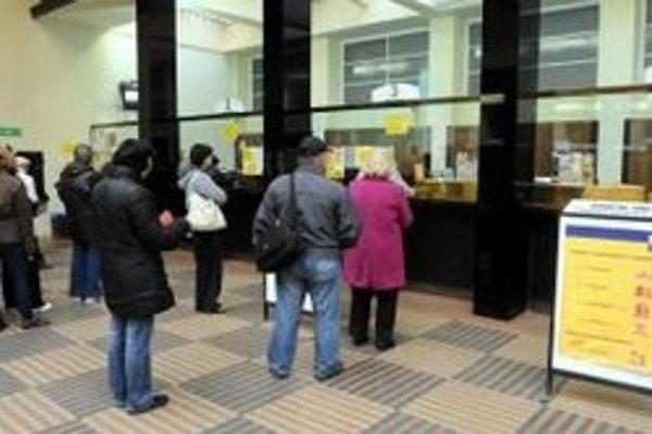 Slovenská pošta môže prísť o akcie Poštovej banky.