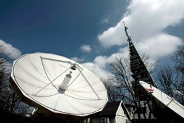 Ak sa chce  televízia dostať do éteru, musí sa dohodnúť s Towercomom.