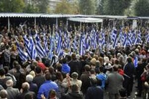 Protesty v Grécku neprestali ani po minulotýždňovej dohode eurozóny a Grécka. Podľa prieskumov 59 percent ľudí dohodu nechce.