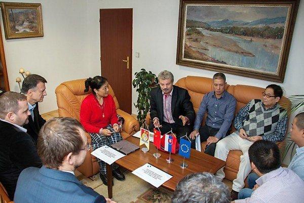 Stretnutie s investormi ktorí môžu v regióne zamestnať 150-200 ľudí.