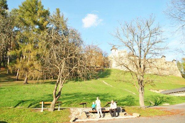 Na hrade Ľubovňa prebiehali rôzne výskumy. Zistilo sa, že zrejme žiadne tajné chodby tu neboli.