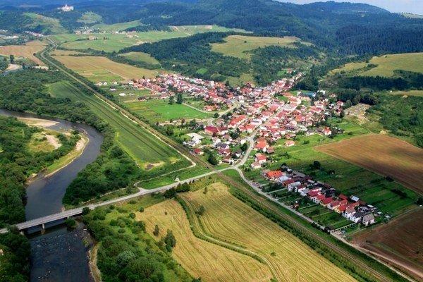 Obec Chmeľnica pomáha sociálne slabším skupinám obyvateľstva.