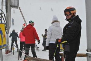 Litmanová. Na zjazdovke lyžujú už zopár dní.