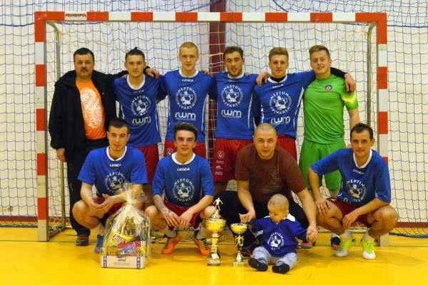 Víťazný kolektív. Futsalisti Neptúnu sa na memoriáli tešili z prvenstva.