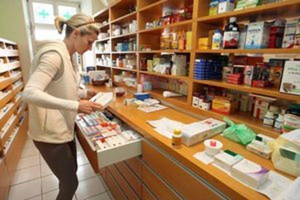 Predpisovanie liekov sa má zmeniť. Na receptoch má byť účinná látka.