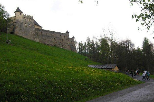 Ľubovniansky hrad. Júl bude nabitý množstvom podujatí.