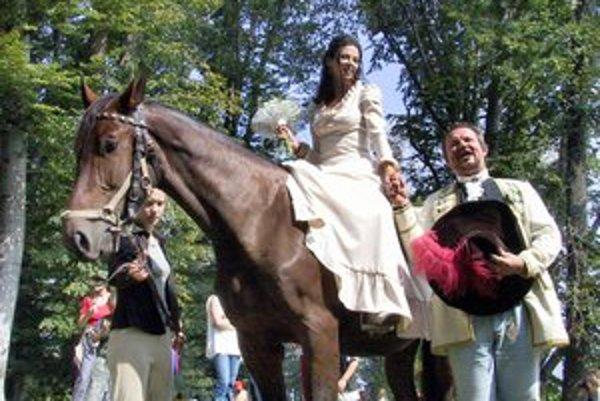 """Netradičné """"hradné"""" svadby sa tešia čoraz väčšej obľube."""