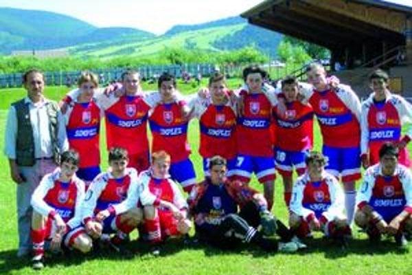 Starší dorastenci z Jakubian postúpili do V. ligy krajskej futbalovej súťaže.
