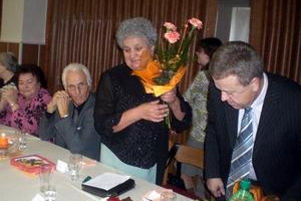 Bývalí a súčasní. B. Volmanová, R. Kačmarský a M. Golecová ako bývalé vedenie so súčasným majiteľom firmy Jozefom Kandráčom.