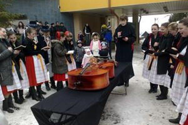 Koniec fašiangového obdobia v Starej Ľubovni je tradične spojený s pochovávaním basy.