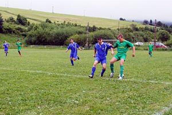 Údolčania (v zelenom). Po sobotnej prehre v Čirči neuspeli ani v nešťastnom zápase v Kyjove.