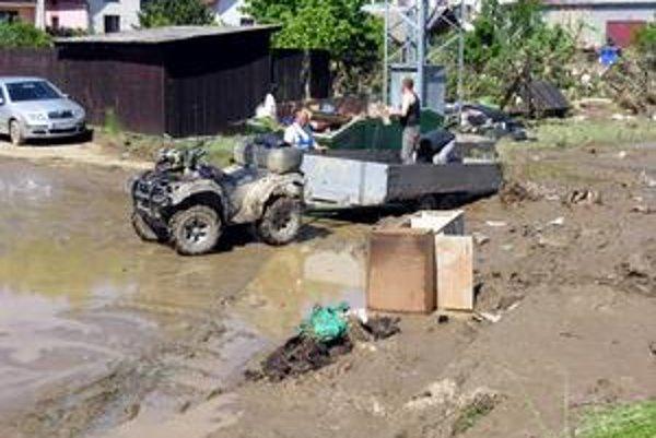 Povodne v lete priniesli obyvateľom mesta nekonečné trápenie.
