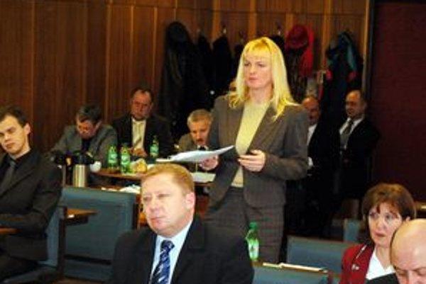 Poslankyňa Klaudia Satkeová chcela vedieť, či sa v prípade časti Slobytermu chystá privatizácia.