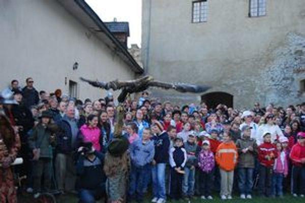Spomienka na otvorenie letnej turistickej sezóny 2011. Takto vyzeralo Májové mámenie na hradoch Spiša.