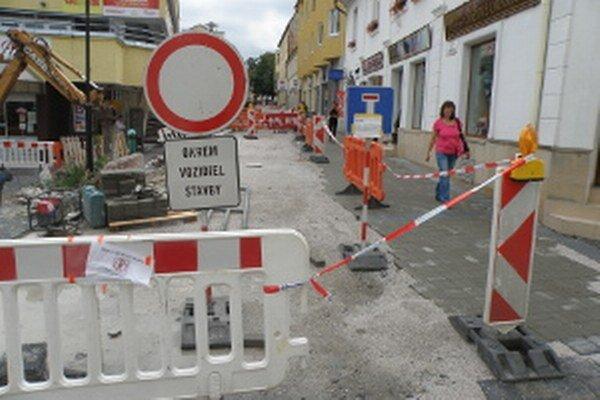 Stavebné práce na Moyzesovej ulici by mali trvať do 8. septembra.