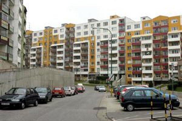 Ceny bytov stúpli v treťom kvartáli tohto roka mierne v Bratislave, Trnave, Nitre a Košiciach. Hore šli skôr malometrážne byty, ceny trojizbových bytov sa veľmi nemenili.