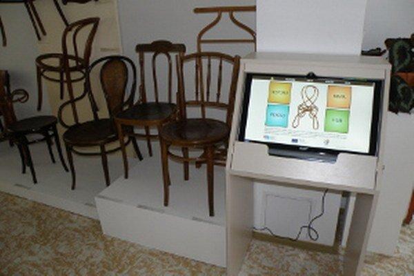 Počítač Obohacuje výstavy v Hornonitrianskom múzeu.