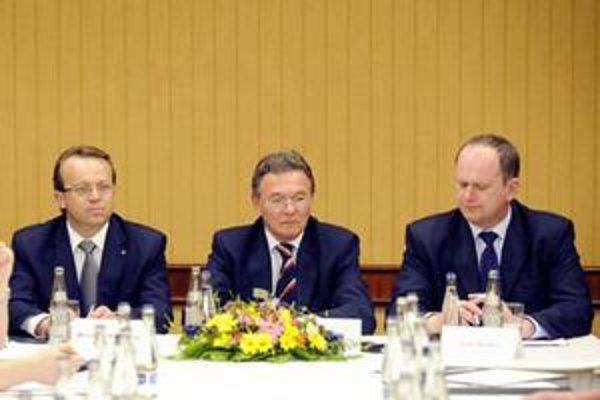 Viceprezident RÚZ Miroslav Kiraľvarga, prezident RÚZ Marián Jusko a viceprezident RÚZ Jozef Špirko.