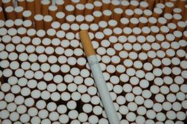 brusel ide zv253šiť minim225lnu da� na cigarety o polovicu