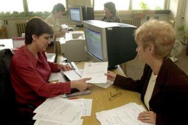 Ministerstvo práce pripravilo návrh, podľa ktorého má podpora v nezamestnanosti trvať osem mesiacov.