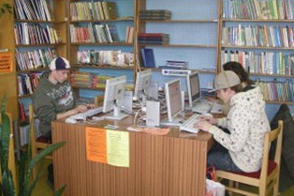 V handlovskej knižnici je už modernizácia nevyhnutná.